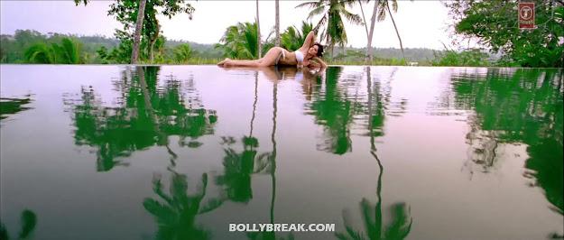Sunny Leone HD Pics - White Bikini Jism 2 Wallpapers