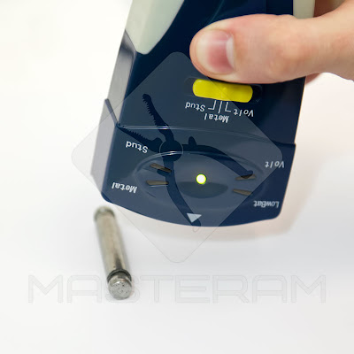 Обнаружение металлических деталей детектором Pro'sKit NT-6351