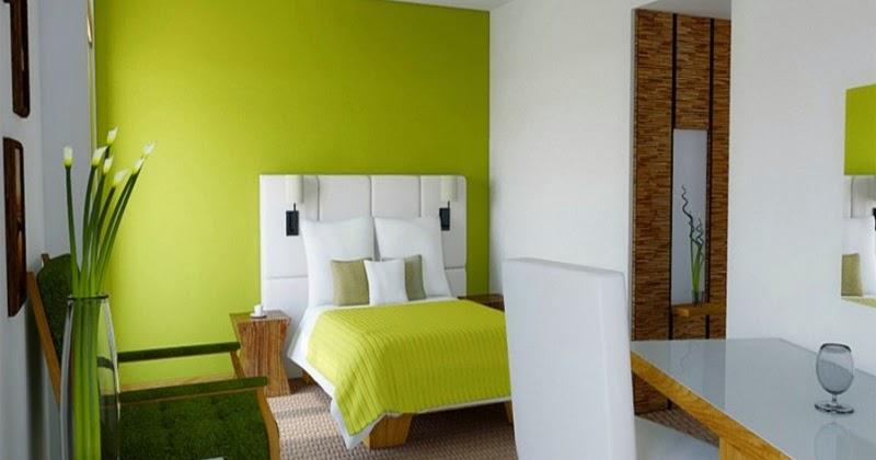 kamar tidur dengan kombinasi cat warna hijau yang mantabz