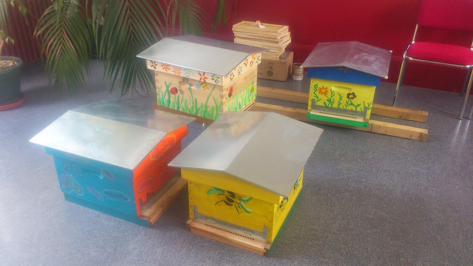 service technique de chalifert des ruches personnalis es. Black Bedroom Furniture Sets. Home Design Ideas