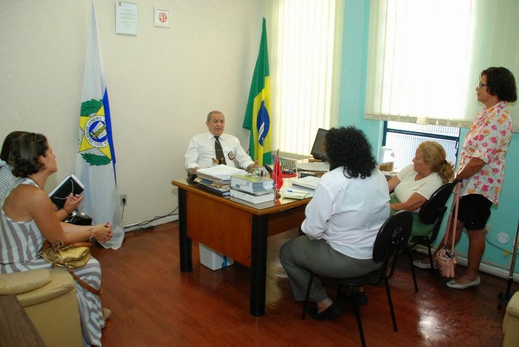 Delegado Walter Barros recebe comissão do Conselho Municipal de Defesa dos Direitos da Mulher: parceria pela melhoria do atendimento à mulher vítima de violência