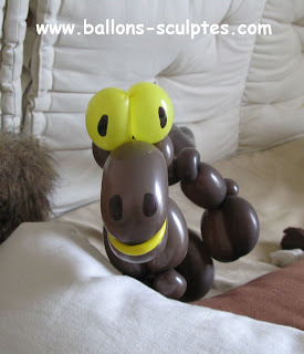 dinosaure en ballons