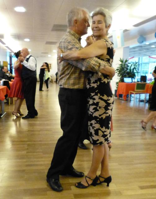 http://www.bastidon.ch/Danse/Almatango_octobre_2014.html