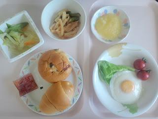 写真:術後5日目の朝食