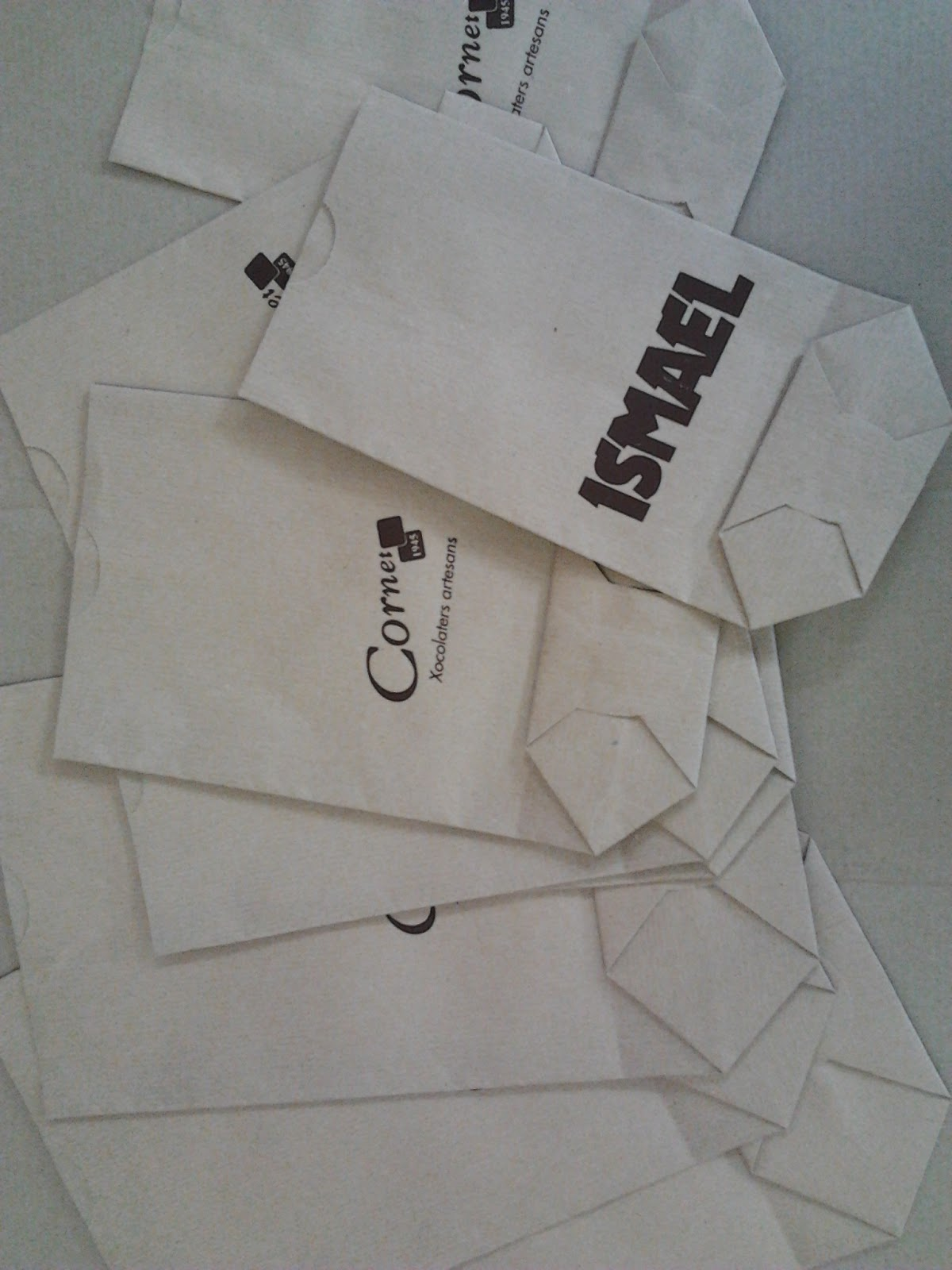 bolsa de papel kraft cilindrica impresa