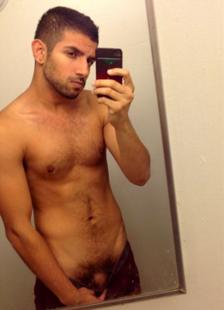 Hombres al Desnudo: Espejo