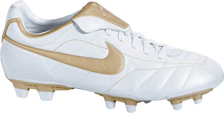 Having worn Nike Mercurial and Nike Air Zoom Boots earlier in his career,  Ronaldinho later switched to the Nike Air Legend range, predecessor of the  Tiempo ...