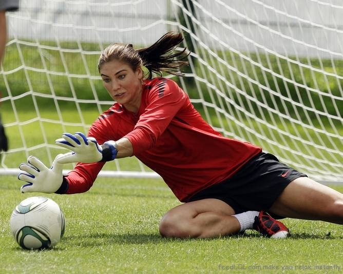 SOCCER WITHOUT CLOTHES: HOPE SOLO NUDE AND AMERICAN ...
