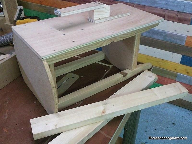 Tablero sin listones encima de la mesa camilla. www.enredandonogaraxe.com