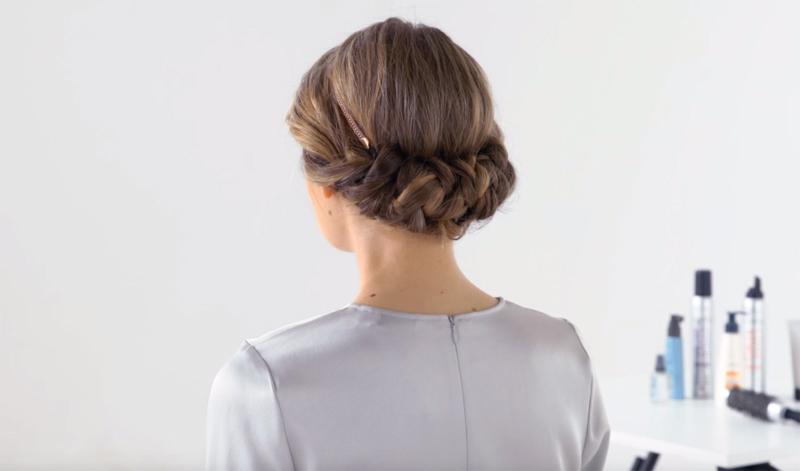 Penteado Chignon Entrançado com Bandolete Elástica