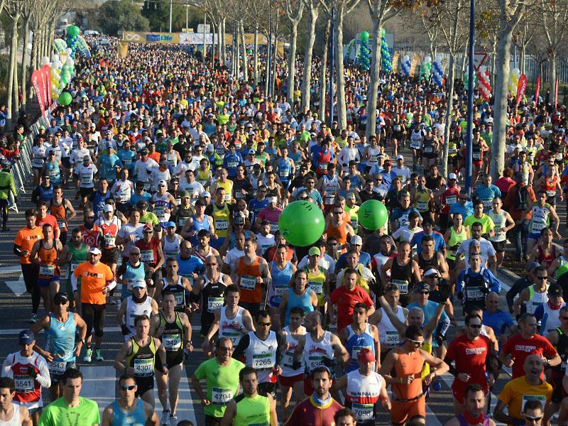 Salida Foto de JJ UBEDA maraton Sevilla