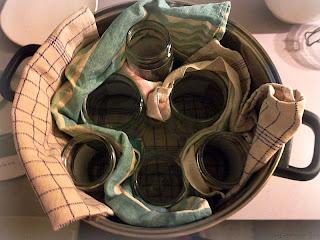 come...sterilizzare i vasetti di vetro