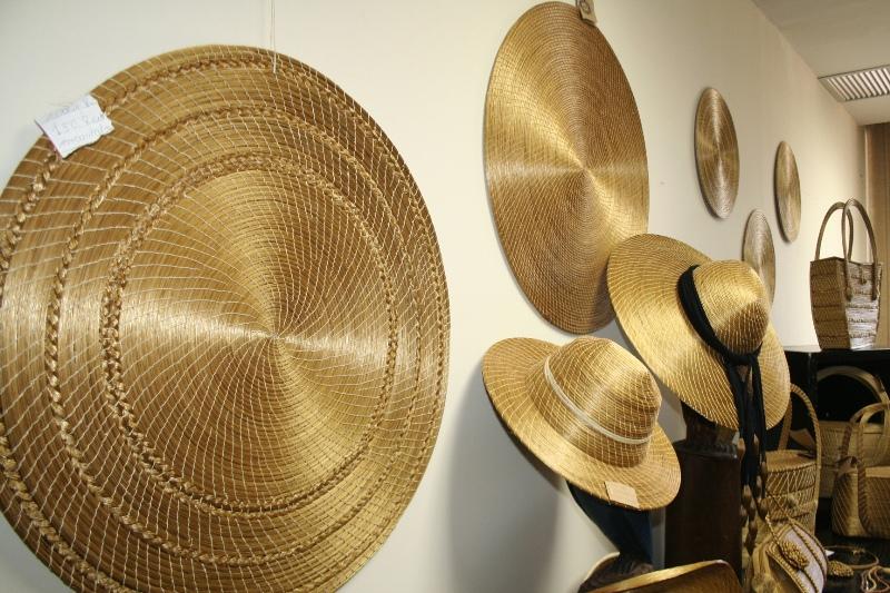 Adesivo De Parede Coruja ~ Valenttynoss Grass Golden Belíssimas peças feitas a partir capim dourado