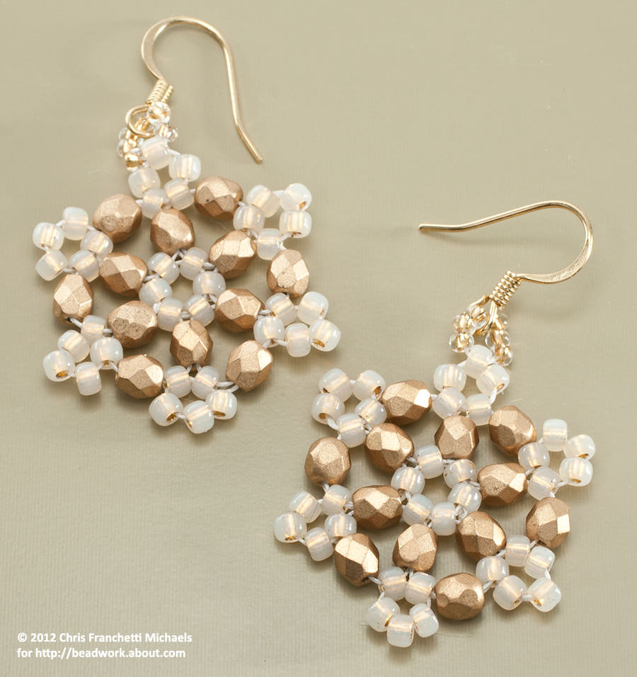 pattern bijoux beaded snowflake earrings