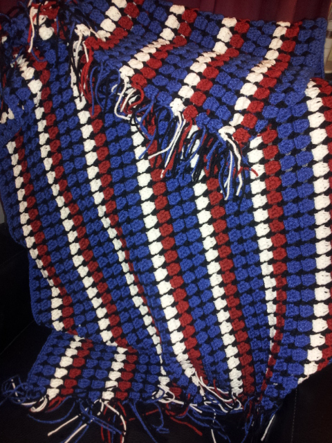 Free. Crochet lap blanket. Crochet stadium blanket.