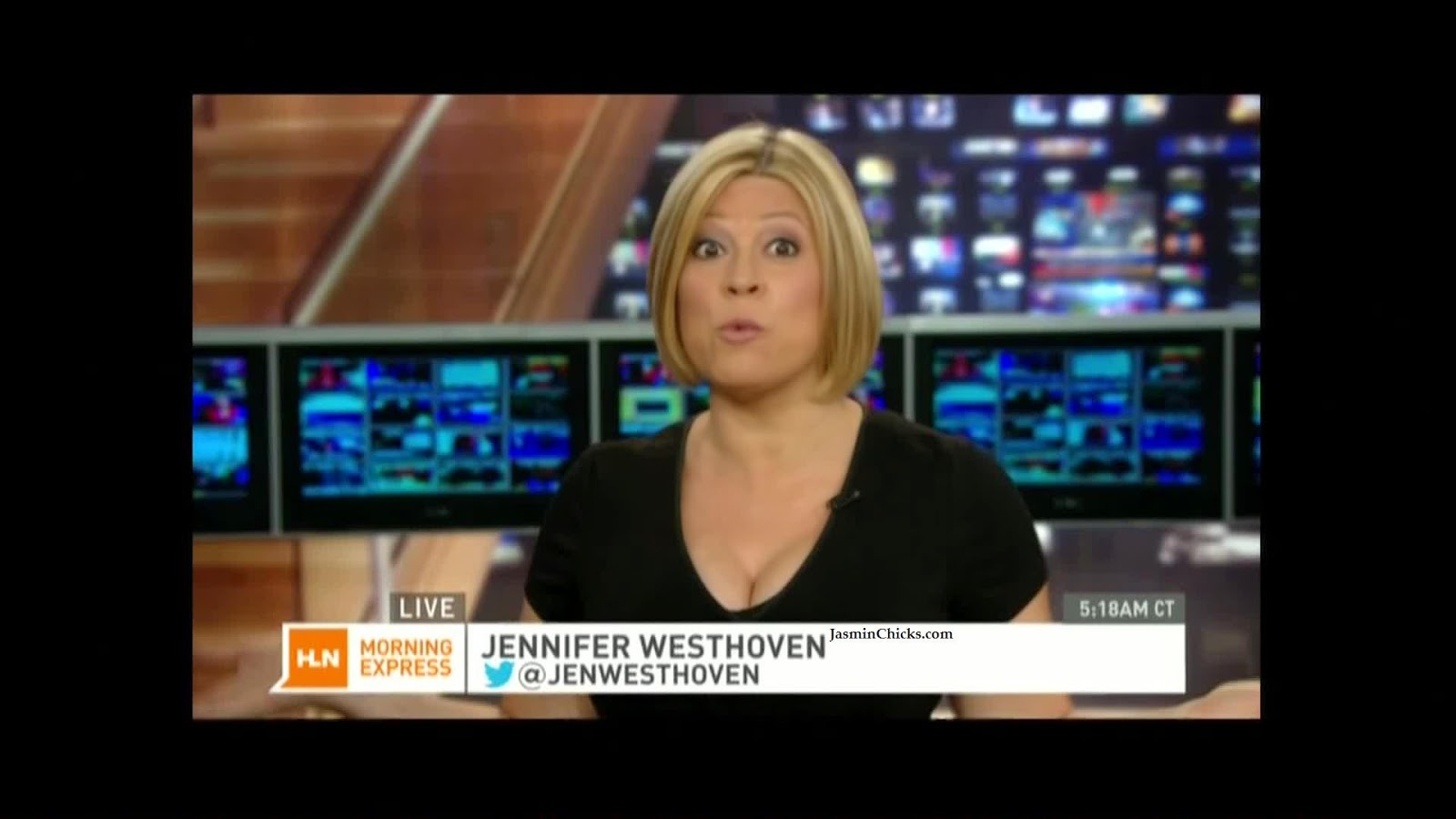Jennifer Westhoven cleavage august 2014