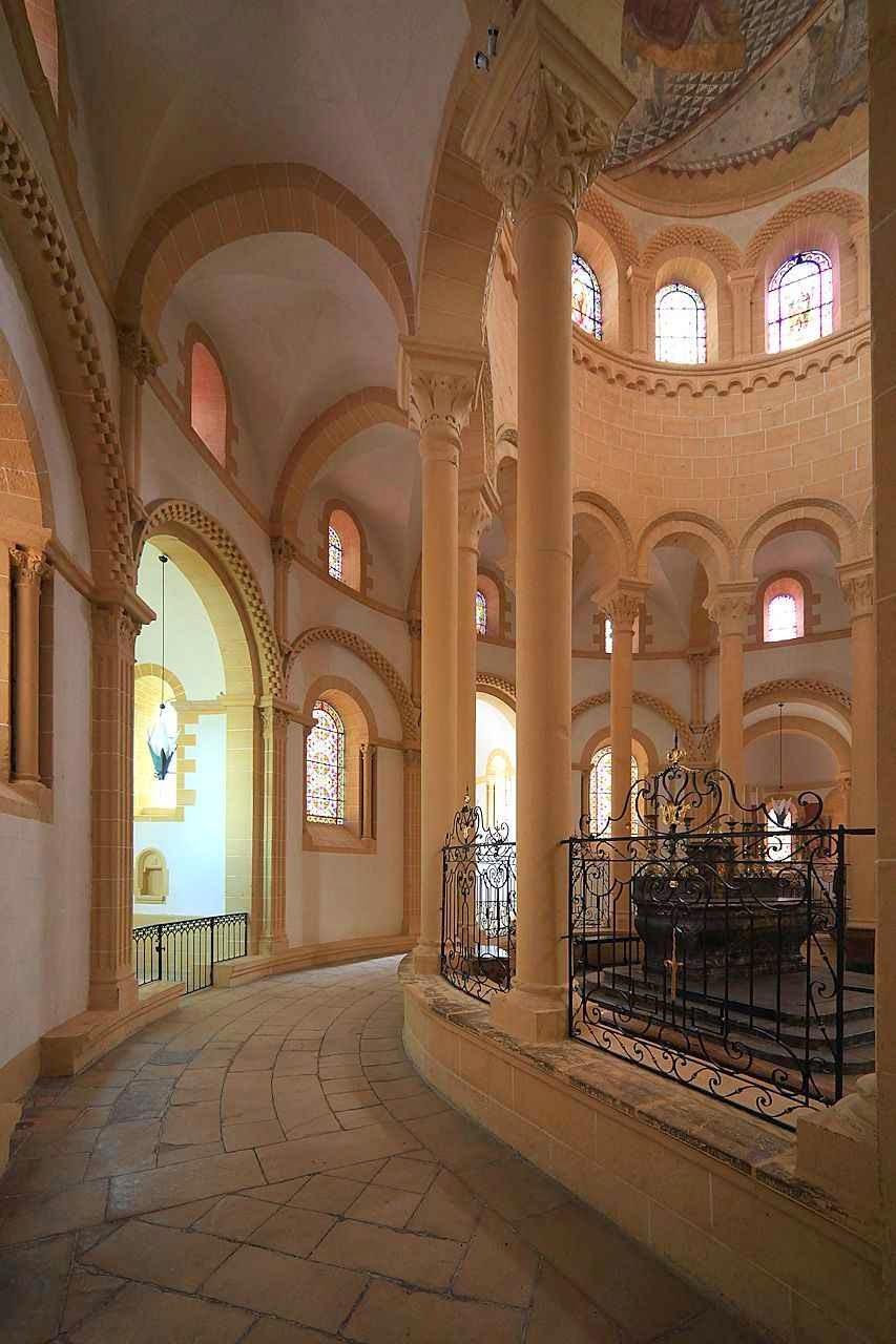 Paray-le-Monial: o interior reflete o modelo de Cluny