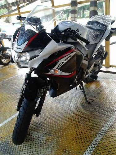 Honda CBR 150R Thailand mendapat revisi striping . . .