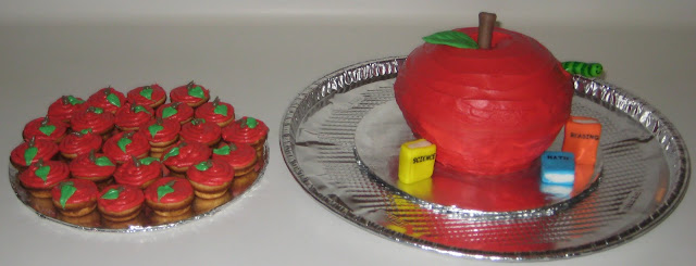 Teacher's Mini Apple Cupcakes and Apple Cake Together
