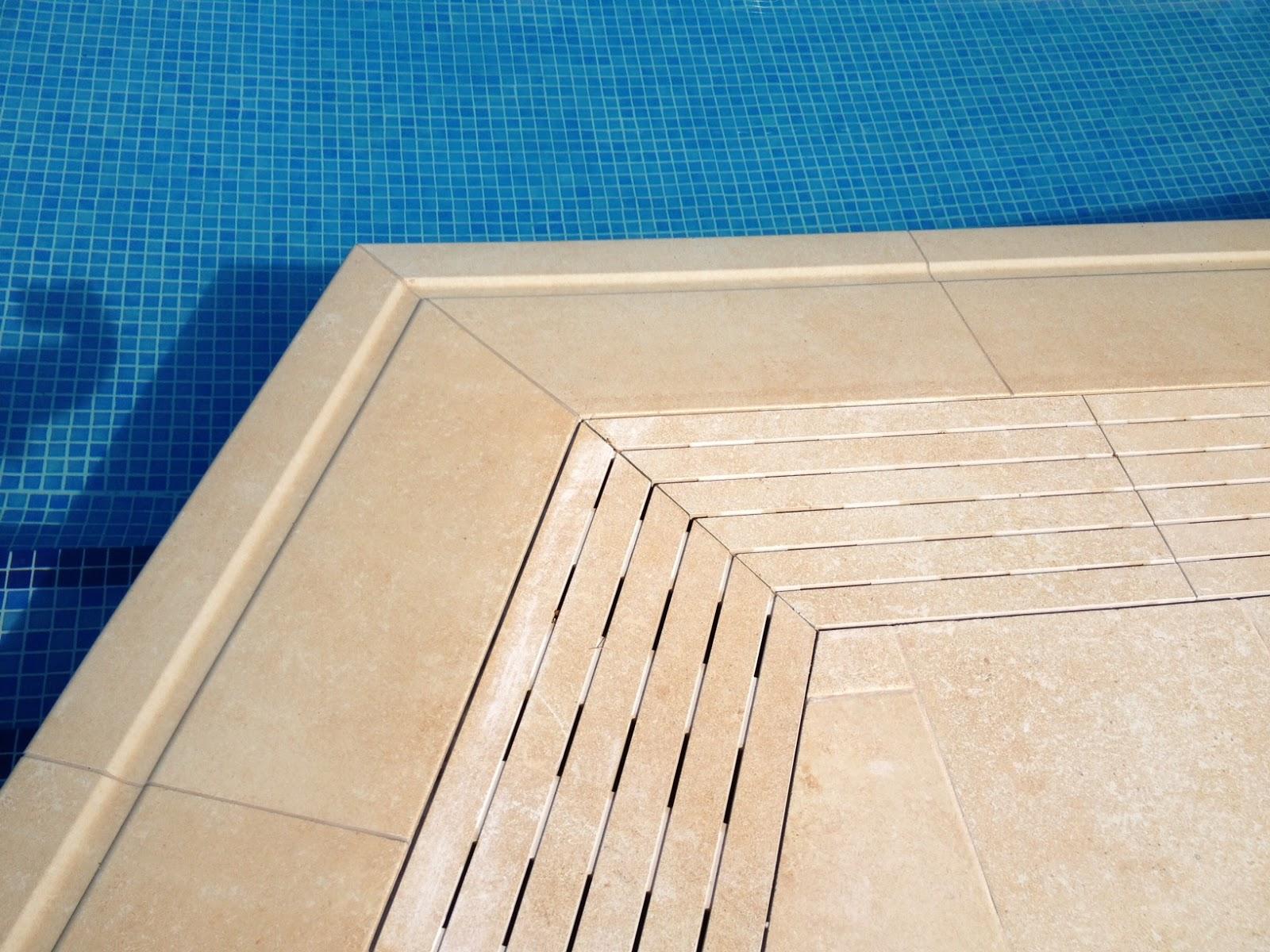 Rosa gres elegante piscina residencial con sistema for Que piscina es mejor