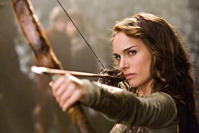sexy natalie portman princesa en su alteza con arco y flecha en mano