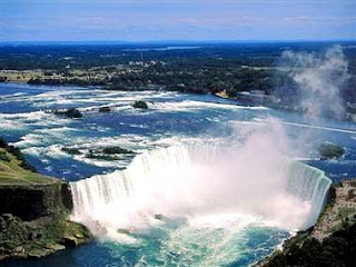 Niagara Falls (Best Honeymoon Destinations In USA) 4