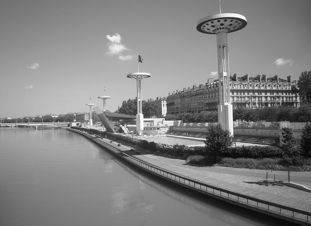 El imperio moderno piscine du rhone for Piscine du rhone