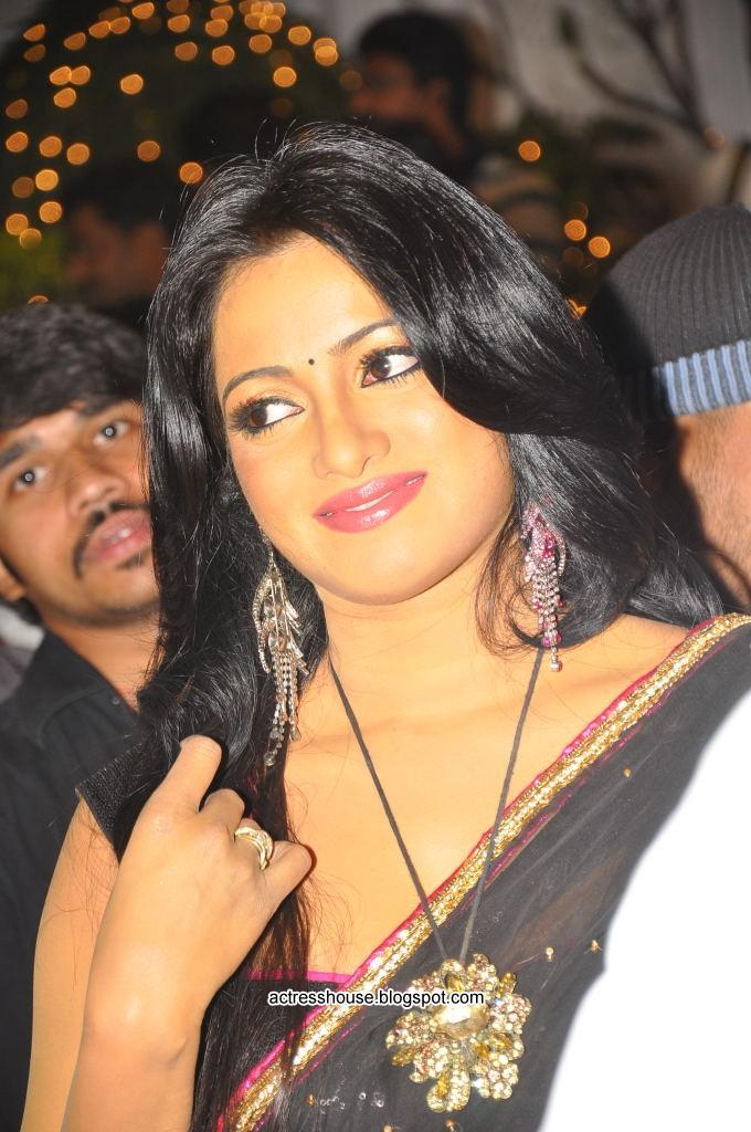Udaya Bhanu hot black saree stills