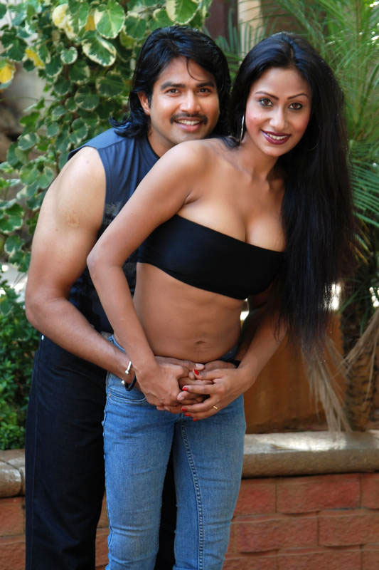 grade telugu movie ammayila tirugubothu download pictures bollywood ...
