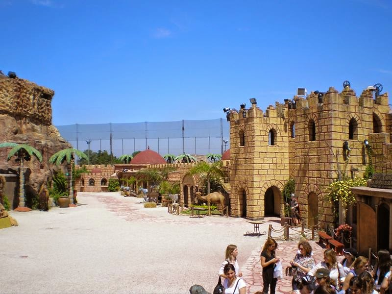 The first religious theme park in the world dedicated to the Holy Land at the Tierra Santa the religious theme park in Buenos Aires, Argentina. Thrill traveling a town full of faith. Transported to the beginning of the Christian era, as 2000 years ago.