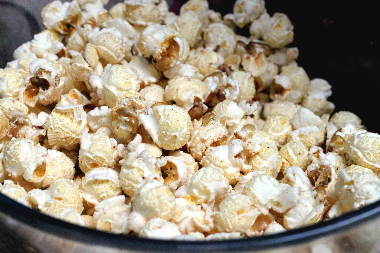 FOOD : SWEET AND SPICY POPCORN