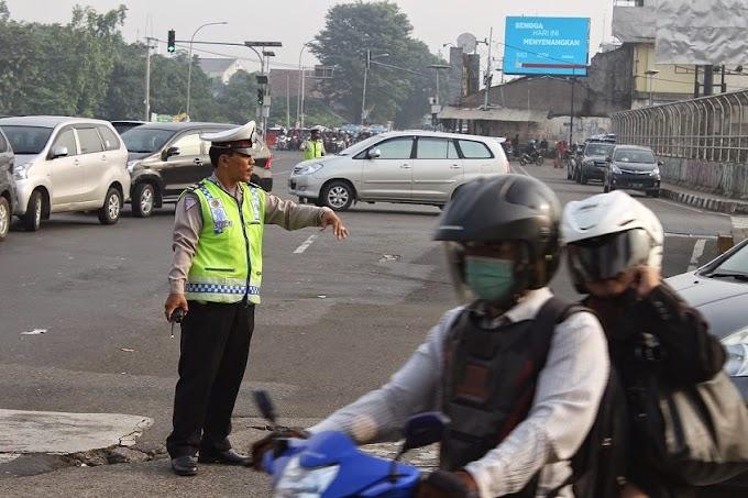 Pertigaan Gas Alam-Jalan Raya Bogor Rawan Kecelakaan