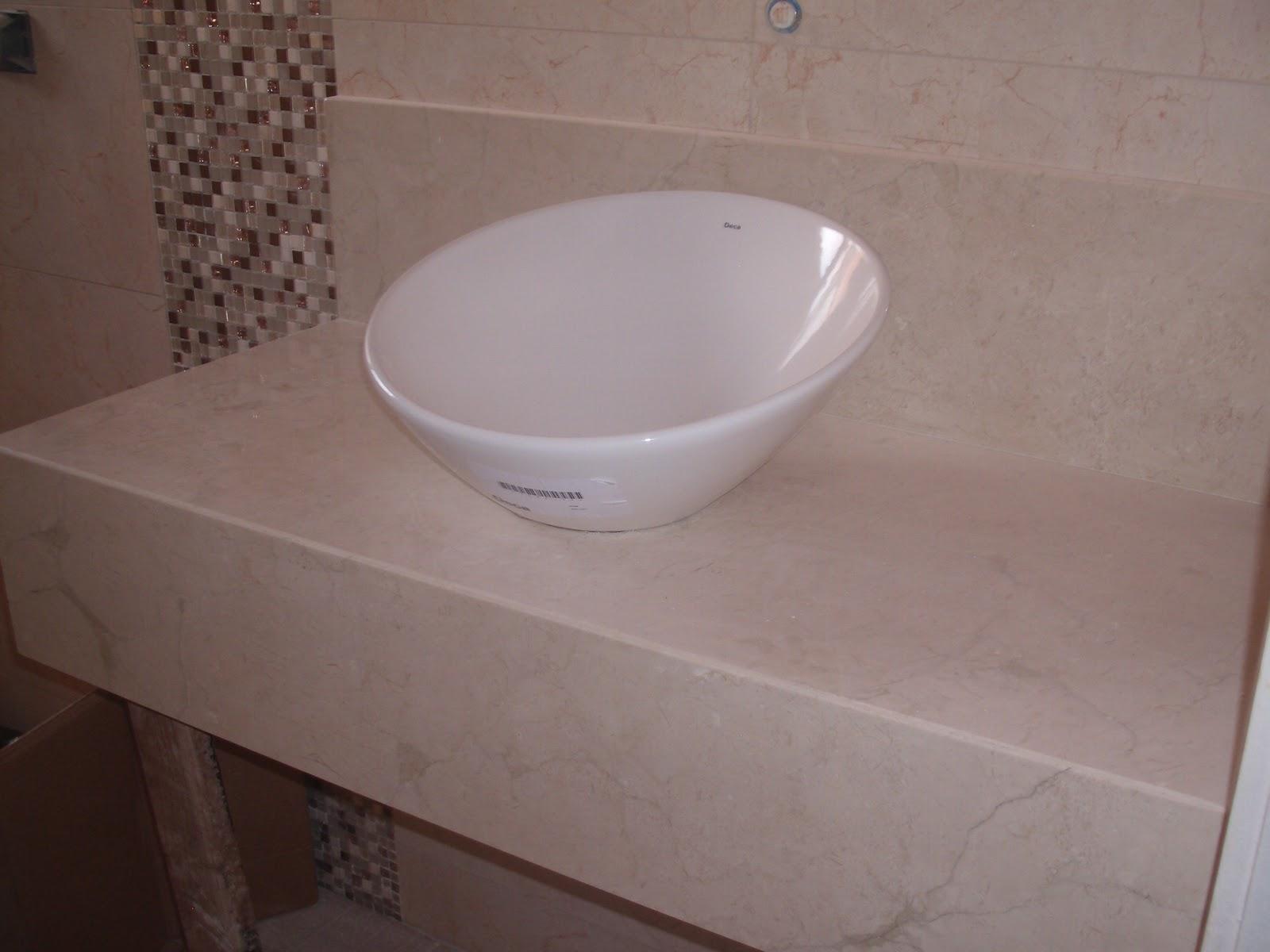 Eu optei por fazer a bancada com armário com rodinhas eu quero que  #3B2824 1600x1200 Bancada Banheiro Largura