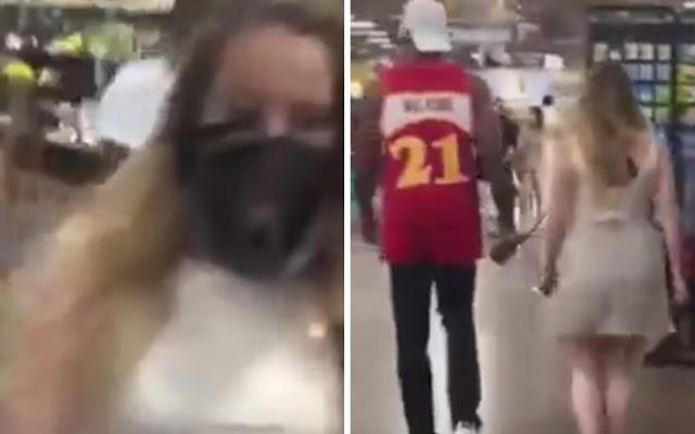 Άνδρας κυκλοφορούσε… κοπέλα με φίμωτρο και λουρί σε κατάστημα (Βίντεο)