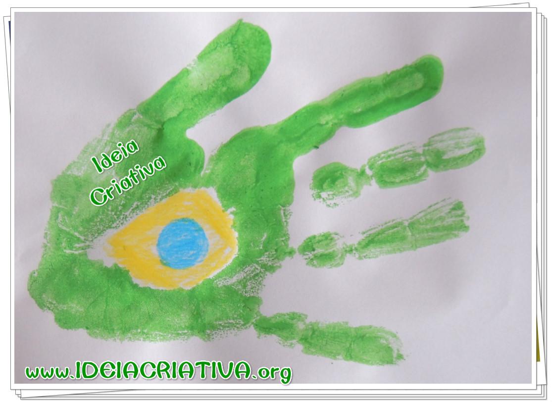Atividade Sensorial Bandeira do Brasil com Carimbo de Mãos Dia da Bandeira