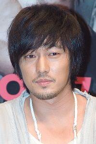 Biodata So Ji Sub pemeran Kim Young Ho / John Kim