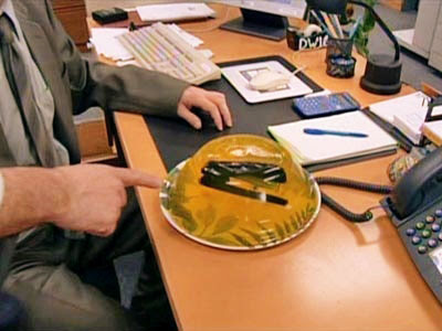 theofficejello Funny Pictures: 30 Great Office Pranks.