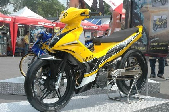 Extreme Modifications 2010 yamaha mio motorcycle drag racing this is  title=