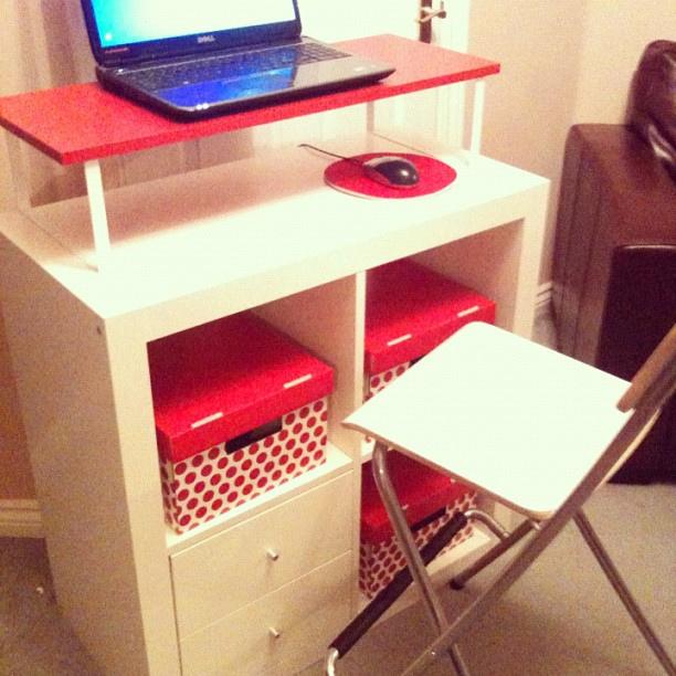 expedit som pult foreldreportalen. Black Bedroom Furniture Sets. Home Design Ideas