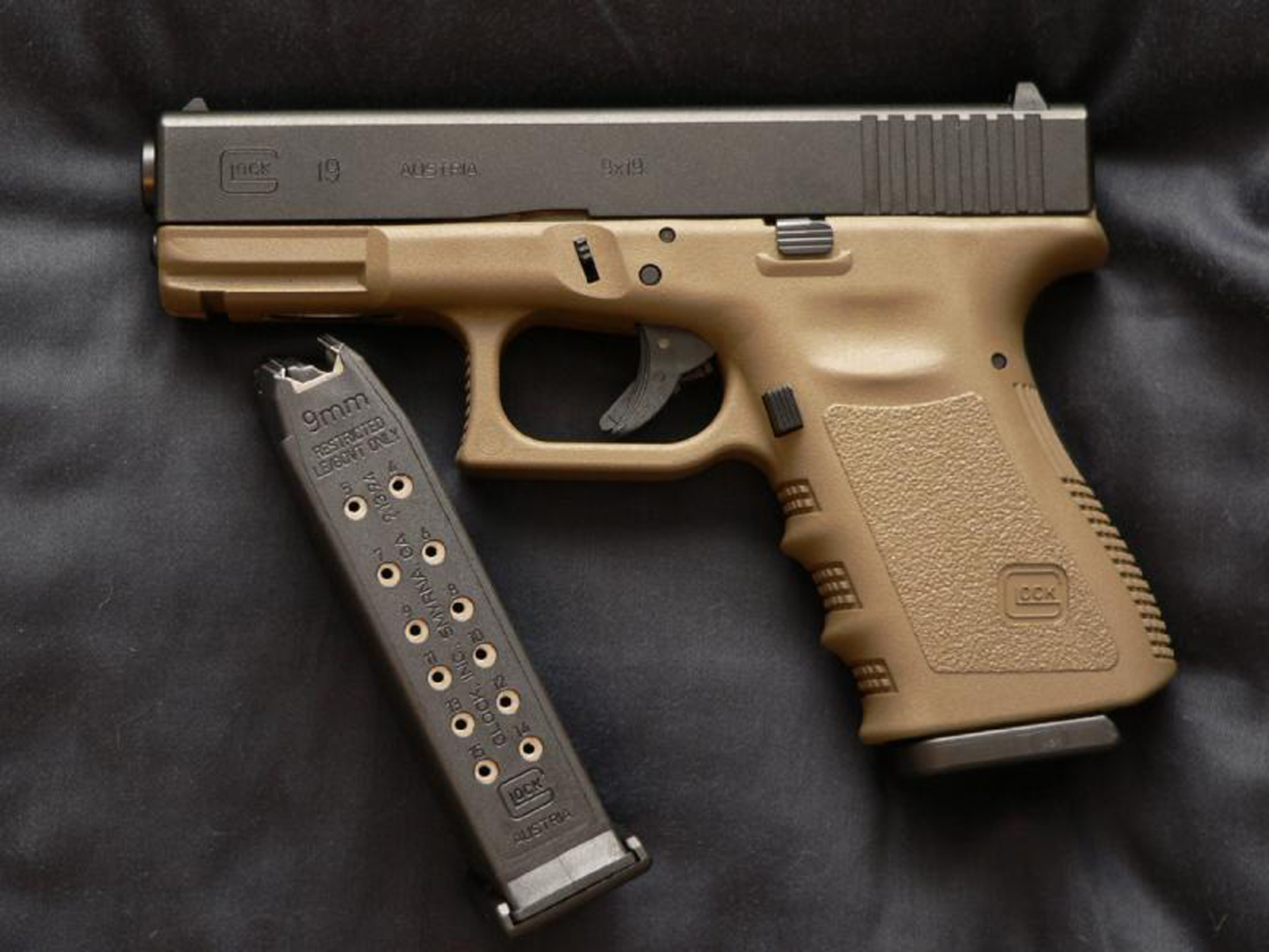 glock 19 hd gun wallpapers desktop wallpapers