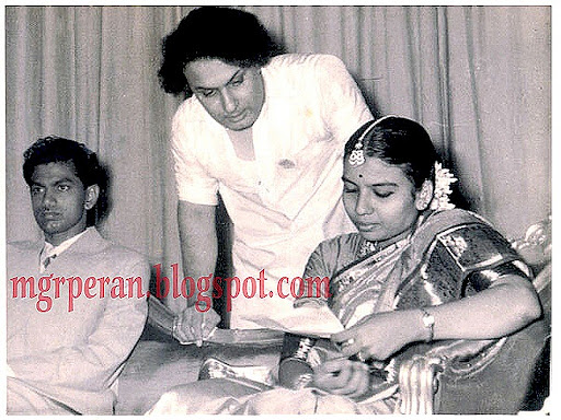 'Makkal Thilagam' MGR Rare Unseen Pictures 6