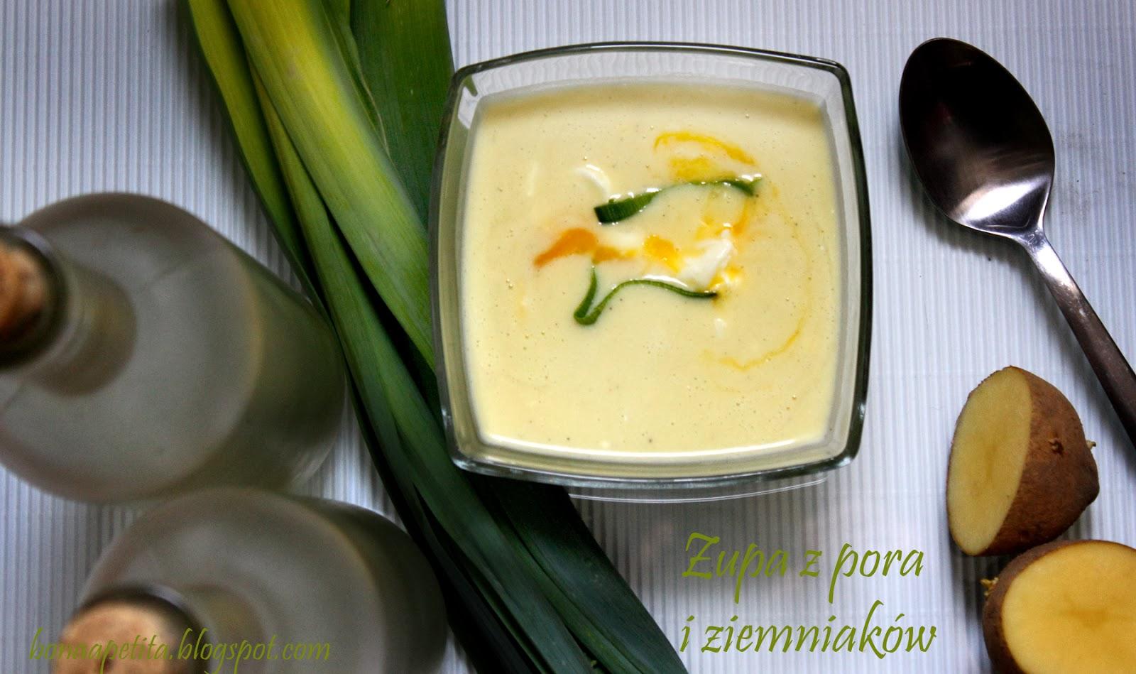 Zupa z pora i ziemniaków z parmezanem i jajkiem w koszulce
