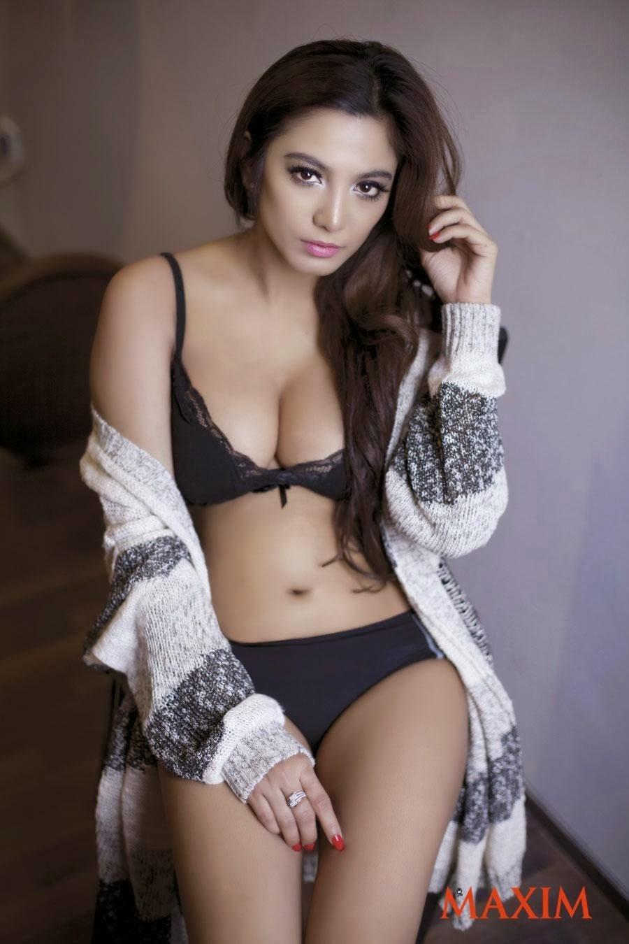 Foto Model Seksi Sisi Salsabila
