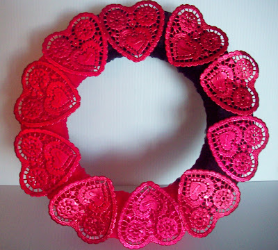wreath+with+red+hearts Sweetheart Wreath