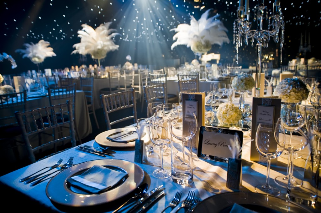 Plan a wedding on a budget 1920 39 s great gatsby theme for Decoration 1920