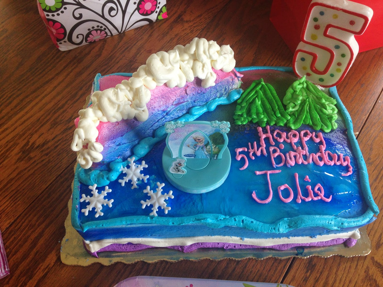 frozen birthday cakes publix