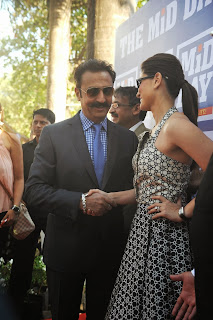Kareena Kapoor and Tushar attends the Mid Day races  (7).JPG