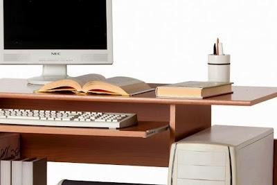 Come realizzare una scrivania porta computer low cost per il