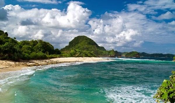 Pantai Goa Cina, Sang Perawan Dari Malang
