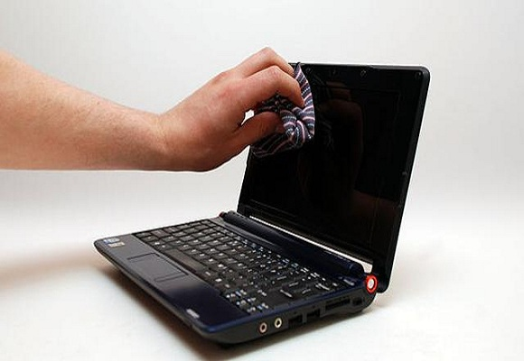 5 Tips Merawat Laptop Agar Tetap Awet